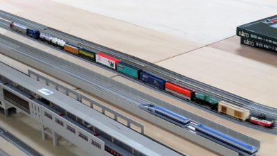 アメリカの貨物列車のNゲージ